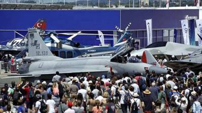 Paris Air Show: JF-17 Thunder attracts huge number of spectators