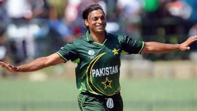 World's fastest bowler Shoaib Akhtar makes yet another fastest record