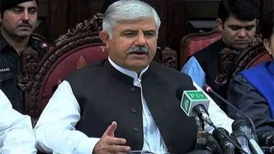 Govt trying to strengthen district administration: KP CM