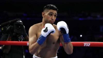 British-Pakistani boxer Amir Khan wins WBC international welterweight title