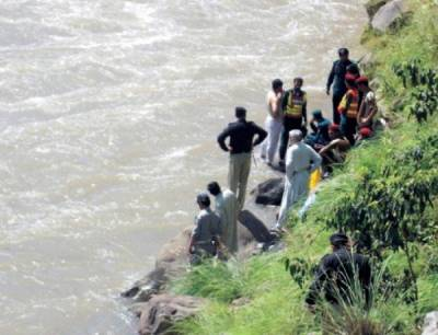 Muzaffarabad road accident : 4 dead as jeep plunges into Neelum River