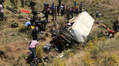 Fifteen migrants die in vehicle crash in eastern Turkey