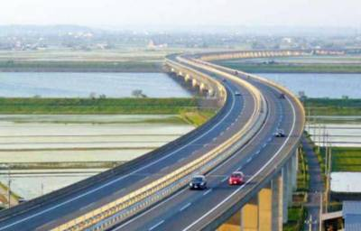Construction of Layyah-Taunsa Bridge on Indus River in full swing
