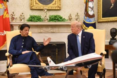 US President appreciates Pakistan for its help in Afghan peace process