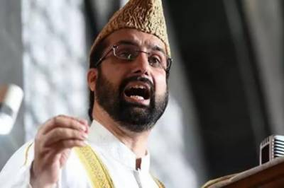 Hurriyat leader Mirwaiz Umer Farooq sternly warns India against changing constitutional status of Occupied Kashmir