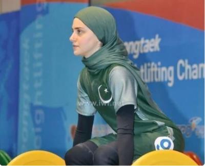 Kulsoom Abdullah: Pakistani American weight lighter is also a PhD scholar