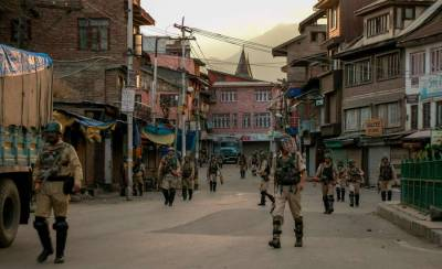 Occupied Kashmir remains under curfew for 9th consecutive day