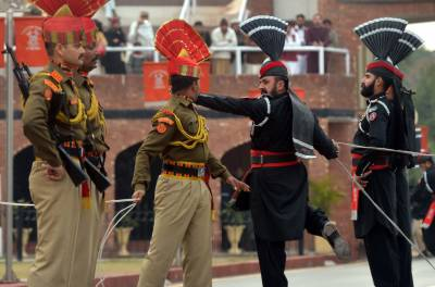 Pakistan refuse to exchange sweets with Indian Military at Attari-Wagah Border on Independence day