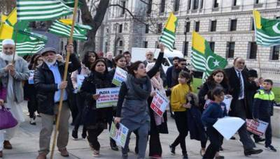 Massive demonstration held outside British Parliament London against Indian move on Occupied Kashmir
