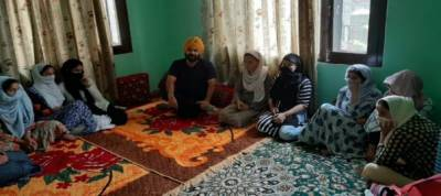 Sikh activist rescues 32 Kashmiri girls studying in Pune