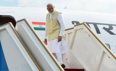 Indian PM Narendra Modi flies over Pakistani airspace amid hightened tensions?