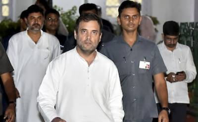 Congress leader Rahul Gandhi and 11 other opposition leaders sent back to Delhi from Srinagar Airport
