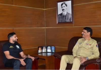 DG ISPR and Boxer Amir Khan take a dig at Indian Pilot Abhinandan