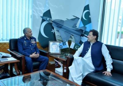 PM Imran Khan visit Air Headquarters, gets briefed on operational preparedness