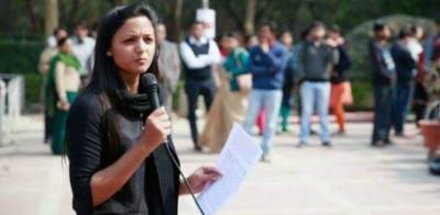 Young Kashmiri leader Shehla Rashid refused to surrender before Indian Army