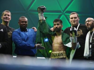 Pakistani Boxer Mohammad Waseem stuns world with his 62 seconds knockout game