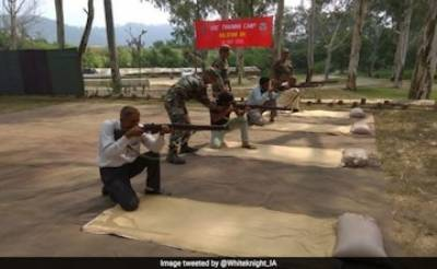 New Strategy: Indian Army training Hindu extremists in Occupied Kashmir to fight Muslims