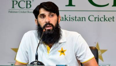 Misbah ul Huq gives a cool response to Mickey Arthur criticism against his conduct