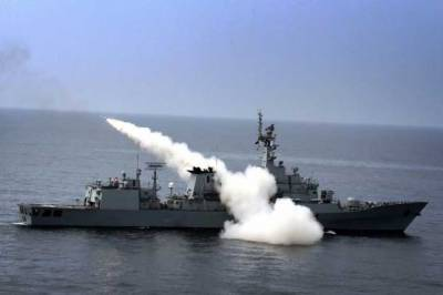 Pakistan Navy successfully fires advanced missiles from Warships and Aircrafts in Arabian Sea