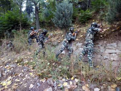 Near one million Indian Military troops in Occupied Kashmir fear 200 - 300 armed fighters: Report