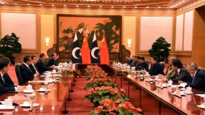 PM Imran Khan seeks big economic achievements during his meeting with the Chinese Counterpart