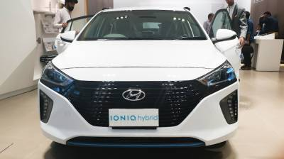 New Hybrid Car launched in Pakistan by international auto giant, checkout price and specifications