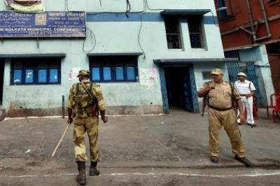 50 live bombs seized by Indian Police