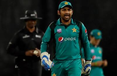 Pakistani Skipper Sarfraz Ahmed gets yet another lifeline, probably the last one