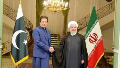 Pakistani PM Imran Khan held important meeting with Iranian President Rouhani in Tehran