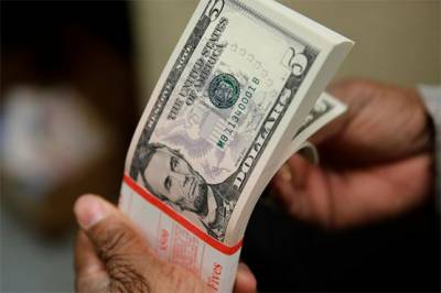 Pakistani Rupee hits highest level of FY 2019-20 against US Dollar