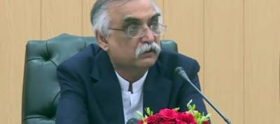 FBR Chairman hints at good news over deadlock with traders on crucial issue of CNIC
