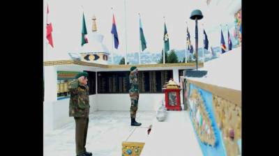 Indian Army top military commander visit border areas
