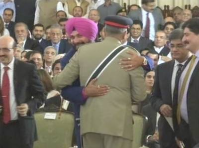 Congress leader Navjot Singh Sidhu accepts Paksitan PM Imran Khan's offer