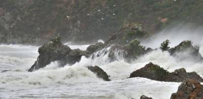 Severe Cyclonic Maha 557 kilometres away from Karachi, PMD issues new warning alert