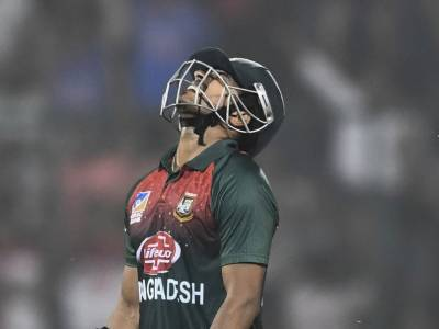 Two Bangladeshi cricketers vomit on ground in Delhi during T20 international match against India