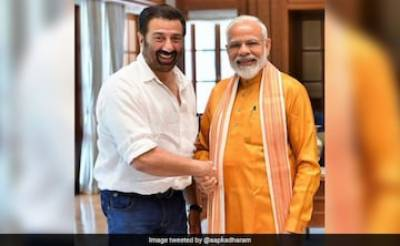Indian actor turned politician Sunny Deol arrives in Pakistan
