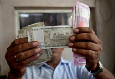 In a setback for economy Indian Rupee comes under pressure from US dollar