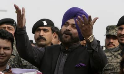 Despite having valid Pakistani visa, Indian authorities ban entry of Navjot Singh Sidhu at Wagah borders