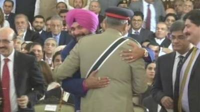 Navjot Singh Sidhu disappointed as he could not hug Pakistan Army Chief General Qamar Bajwa on Kartarpur inauguration