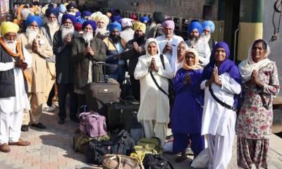 Indian Sikh Yatrees chant 'Long Live Pakistan PM Imran KHAN' slogans