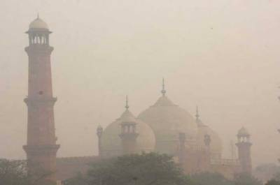 Lahore beats Delhi to reclaim top slot of World's most polluted city