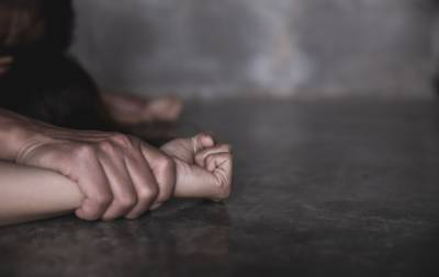 Pakistani teenager girl claims gang rape from father and his four friends