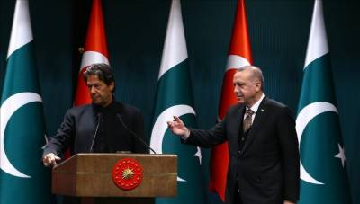 Pakistan PM Imran Khan wants to follow the international diplomacy model of leading Islamic country in the world