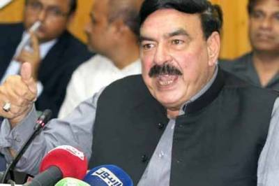 Federal Minister Sheikh Rashid makes new claims over the extension in Army chief's tenure