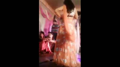 (VIDEO): Indian female dancer shot at face at wedding ceremony after refusal to continue dancing