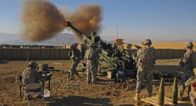 War hysterical Indian Army carried out heavy fire of American origin Artillery Howitzers near Pakistan border