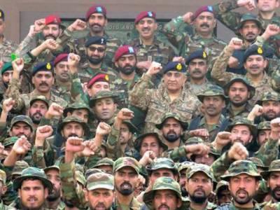 COAS General Qamar Bajwa unique action in solidarity with the former COAS General Pervaiz Musharraf