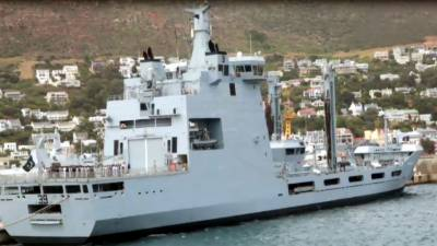 Pakistan Naval diplomacy, Two warships dock at the important country's port for maritime promotion