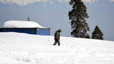 How an Indian Army Officer slipped into Pakistan from Occupied Kashmir?