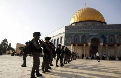 Israeli forces attack Palestinian Muslims inside Al-Aqsa Mosque